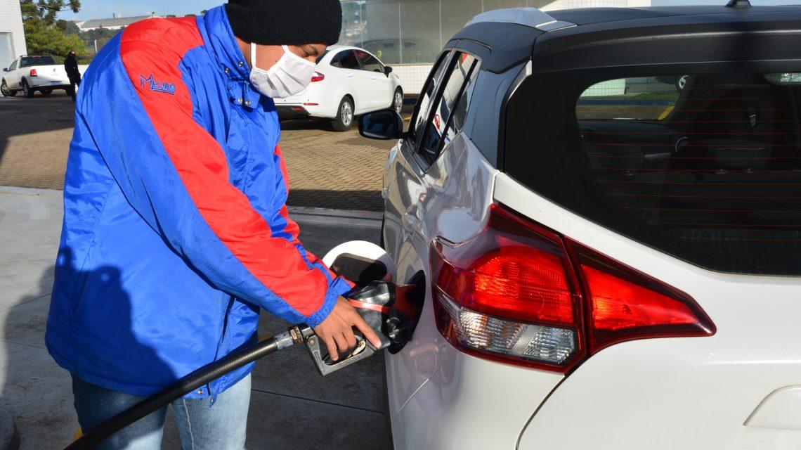 Preço da gasolina subiu e diesel teve redução em postos de Palmas