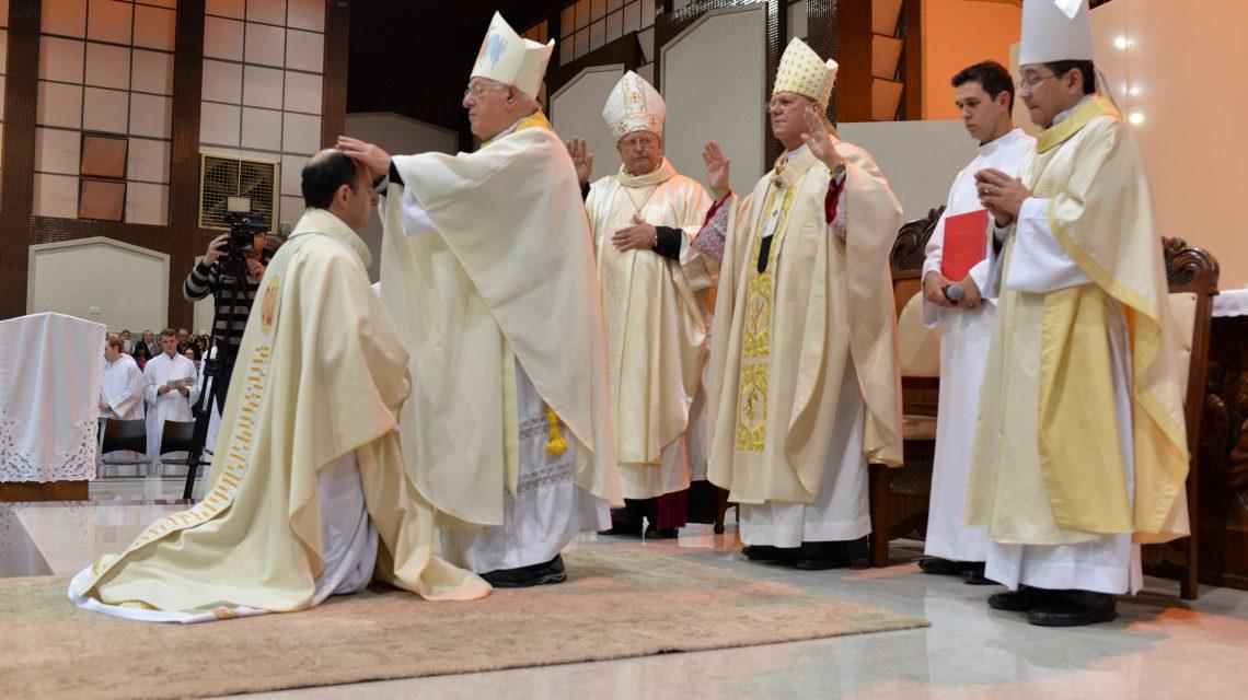 Dom Edgar celebra 4 anos de Ordenação Episcopal e posse na Diocese