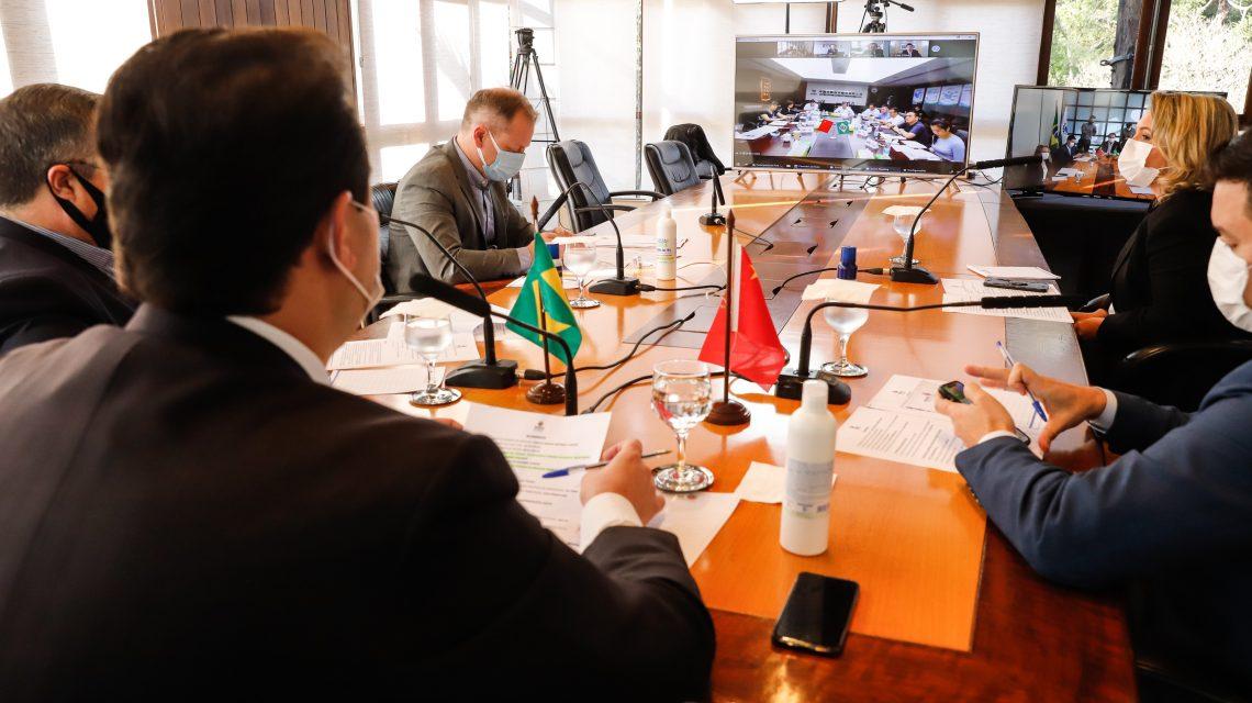 Governo discute parceria para produzir vacina contra a COVID-19 no Paraná