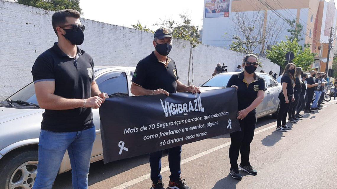 Promotores de eventos fazem manifestação em Francisco Beltrão