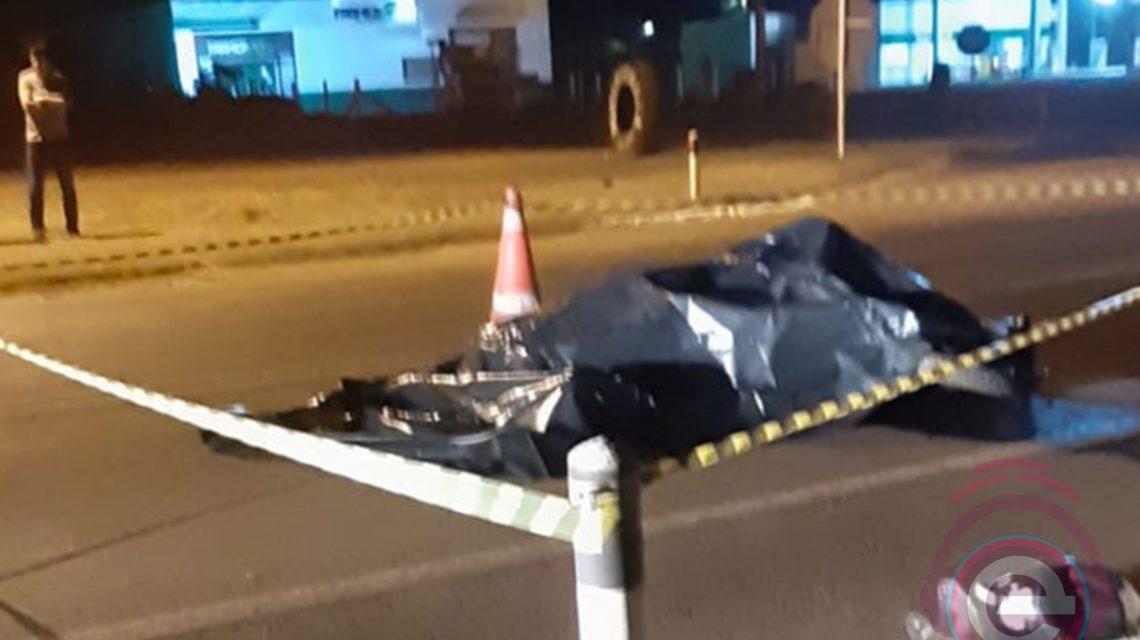 Batida entre moto e caminhão provoca morte de motociclista na BR-373, em Candói