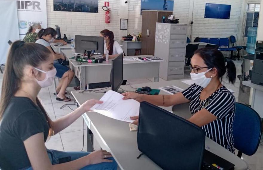 Poupa Tempo auxilia no acesso a parcelamento do IPVA 2020