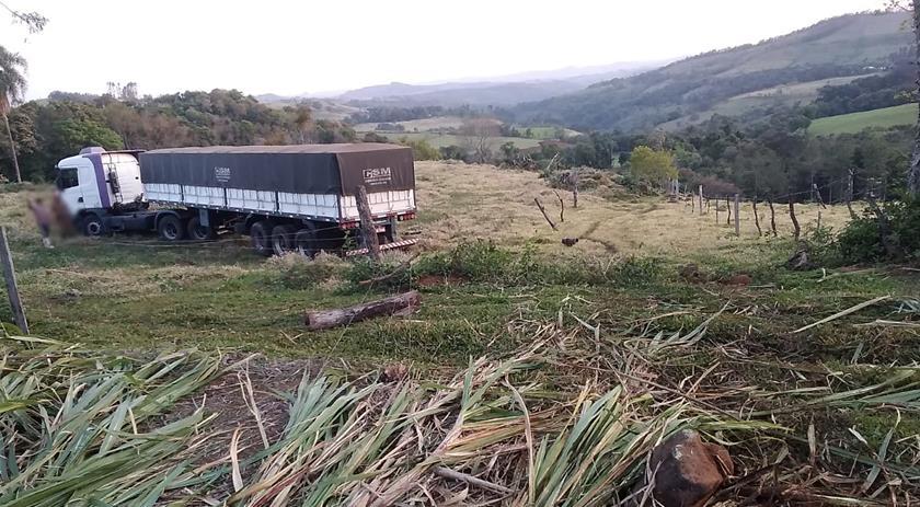 Acidente com caminhão no interior de Francisco Beltrão