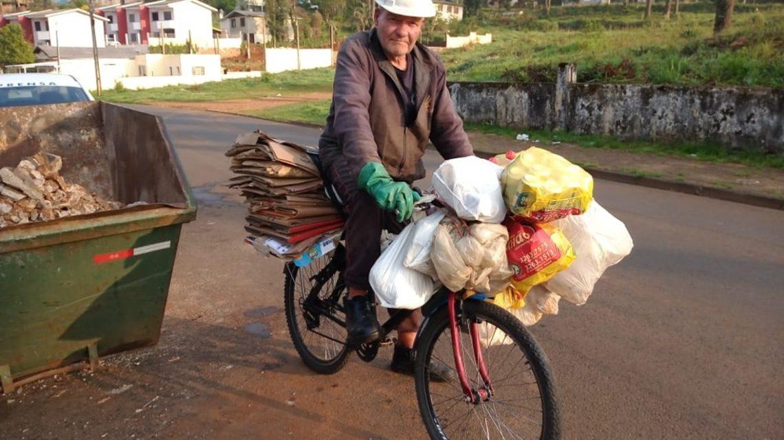 Aos 67 anos, catador de reciclados é símbolo de determinação e esperança