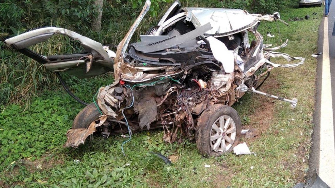 Colisão entre carro e caminhão deixa um morto naPR-281