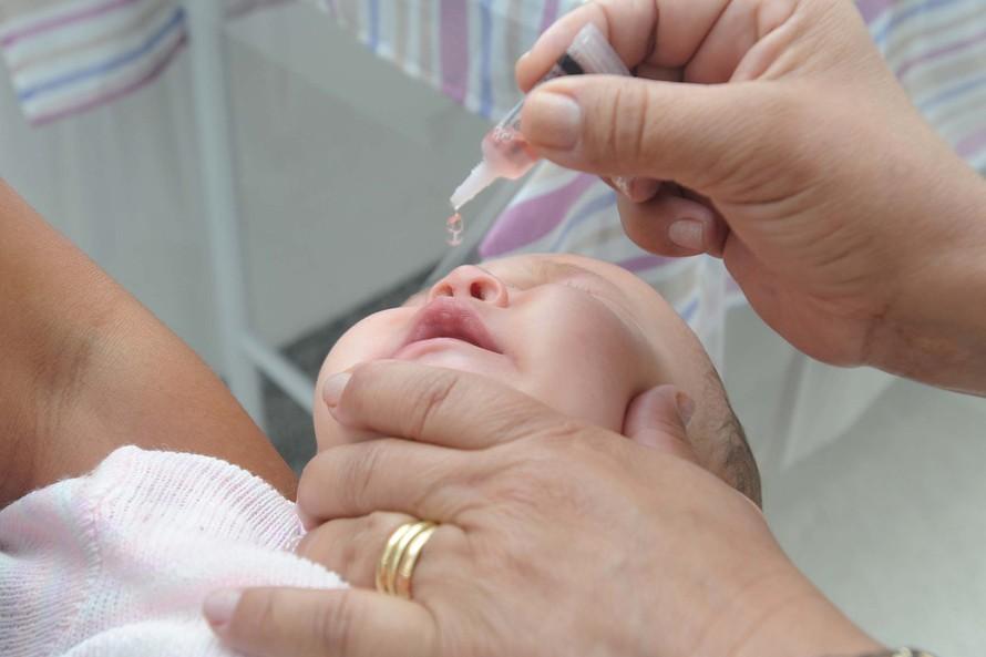 Campanha contra pólio e multivacinação será antecipada no Paraná