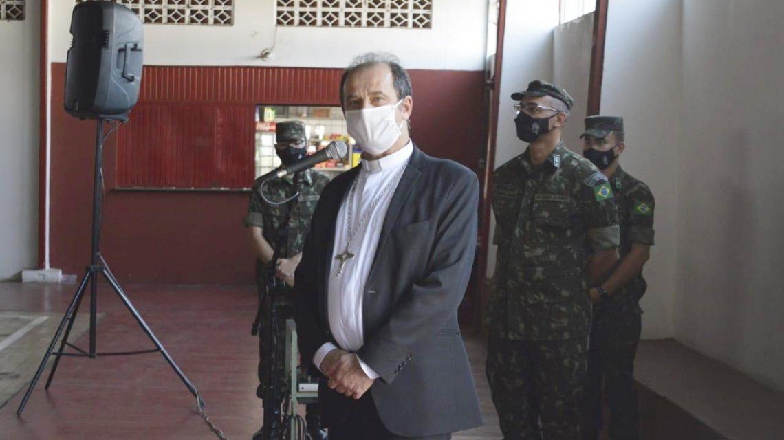Dom Edgar falou de fé e vida aos militares de Francisco Beltrão