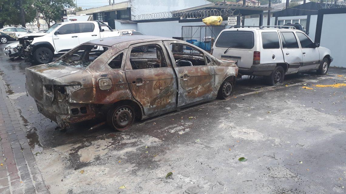 Polícia Civil aguarda Poder Judiciário para remover veículos da rua
