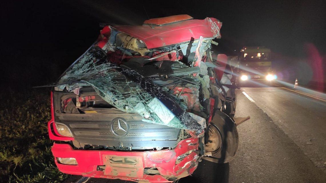 Casal de Candói fica gravemente ferido em acidente na BR-277