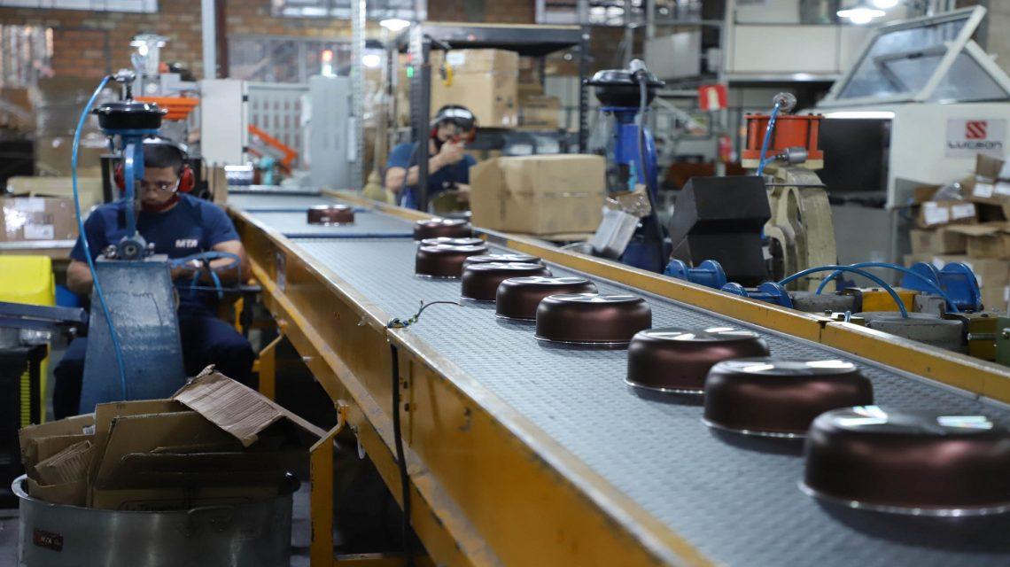 Produção de panelas e fogões movimenta economia do Sudoeste