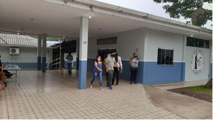 Salgado Filho teve urna sendo trocada no inicio da votação