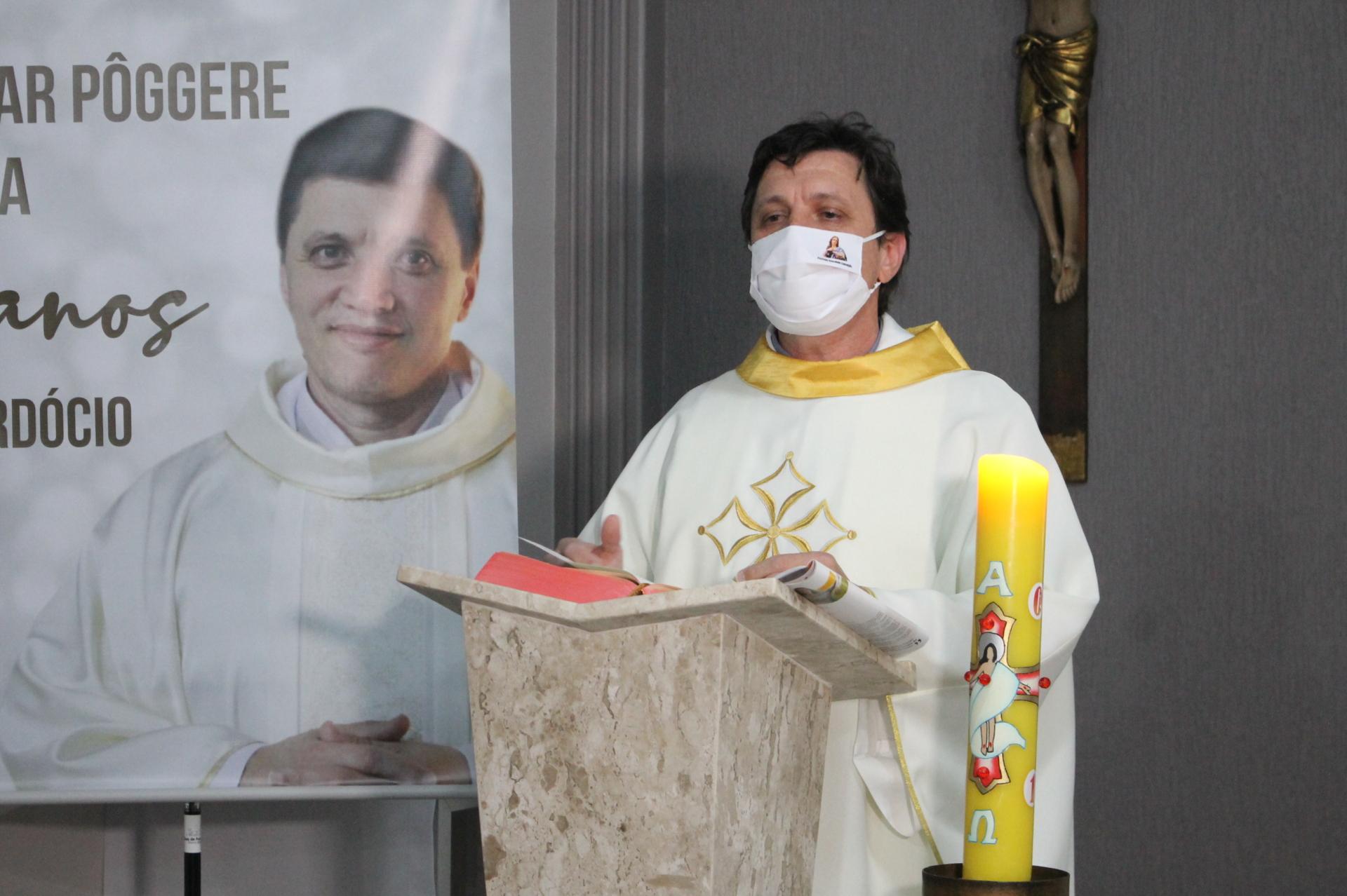 Pe. César celebra 25 anos de Ordenação Sacerdotal