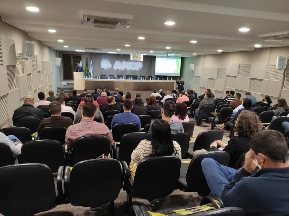 Capacitação prepara servidores para regularização fundiária na região