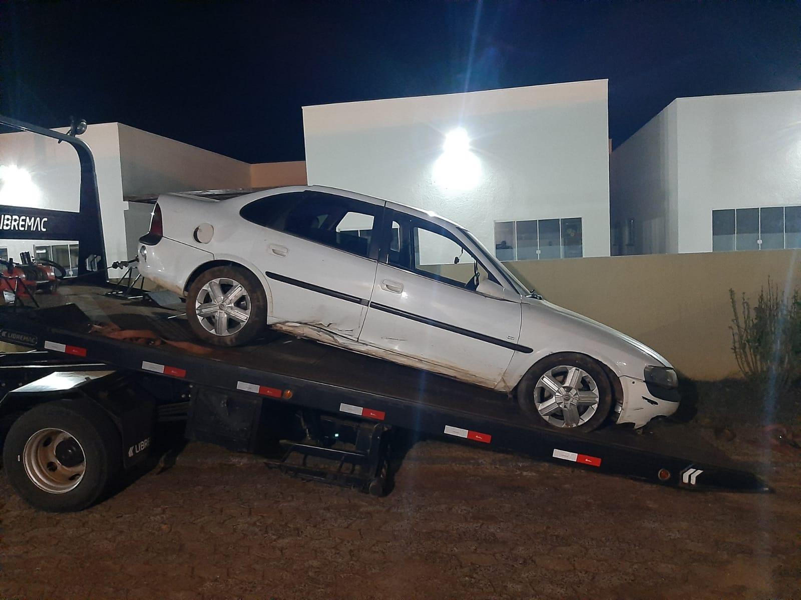 [Grupo RBJ de Comunicação] Três homens morrem em confronto com a Polícia Militar em Mangueirinha — Veículo utilizado pelo trio